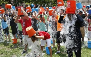 ALS ice bucket challenge hit by irresponsible, ignorant writing
