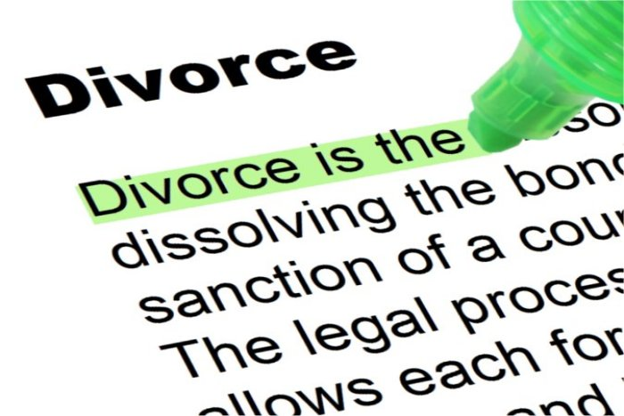 what to write about divorce on HTWB